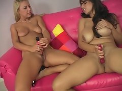 Nikky Thorne and Yurizan Beltran play with each others pink pussies