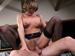 Hot milf babe loves to fuck in stockings