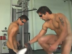 Gay sex in the gym is scrumptious