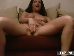 Stunning amateur babe with sensual natural part6